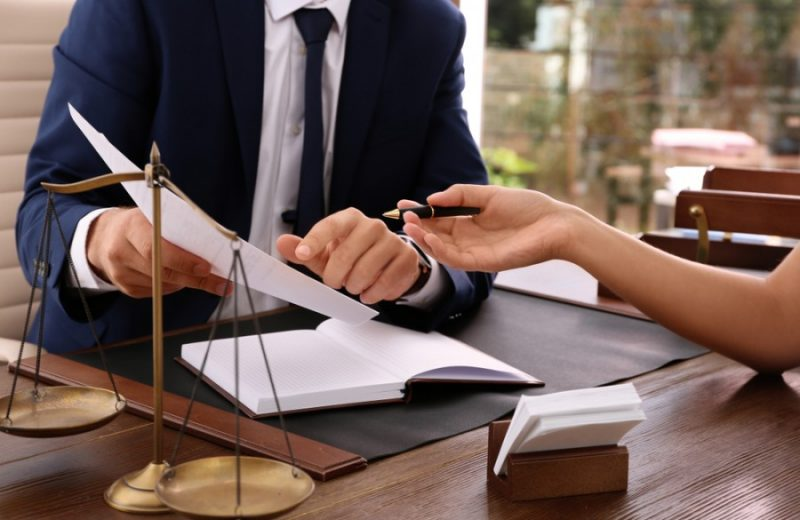 Comment choisir son avocat d'entreprise à Avignon ?