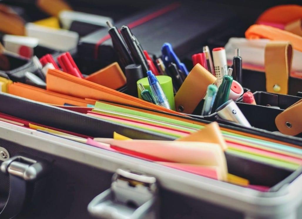 Fournitures de bureau : les indispensables au quotidien